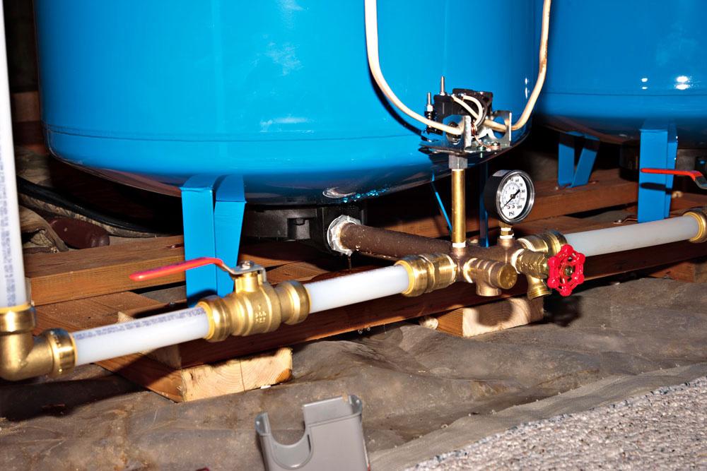 Замена гидробака, гидроаккумулятора, ремонт водоснабжения